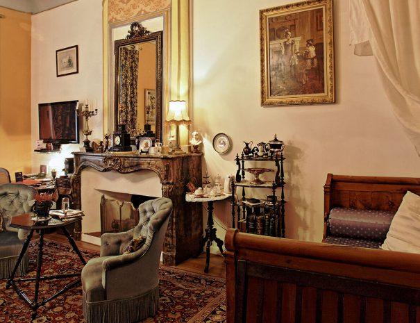 Salon de la suite Napoléon III de l'hôtel Renaissance de Castres